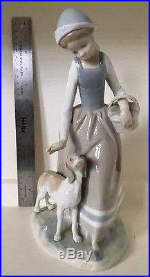 1975 LLADRO 12 Tall Statue Woman Lady with Dog and Basket Glazed Made in Spain