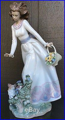 1998 Lladro Lady With Dog & Flowers G-3 Sunday Stroll Large Figure RARE RETIRED