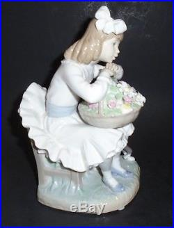 8-3/4 tall Lladro Porcelain Sitting Girl with Flower Basket and Dog #1088