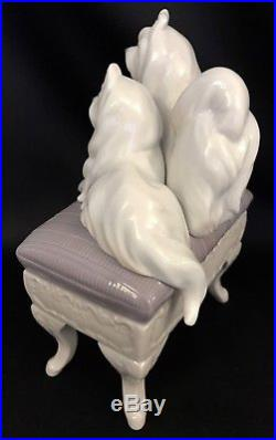 AdorableLladro Looking Pretty Maltese Dogs(6688 Mint Condition)FREE Shipping