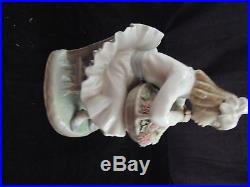 Beautiful Lladro #1088 Girl with Flowers and Dog (High Glaze)