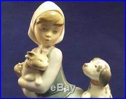 Beautiful Rare Lladro Figurine 5640 Cat Nap Girl with cat and dog