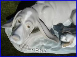 C. 1984's NAO BY LLADRO SPAIN PORCELAIN FIGURINE DOG & PUPPY COMPOSITION W 11.5