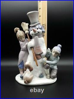 CUTE ESTATE LLADRO #5713 THE SNOWMAN WithBROOM, BOY, GIRL & DOG PORCELAIN FIGURINE