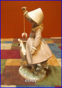 Darling Lladro #5078 Girl Dog And Ball Young Girl+retired-excellent/mint