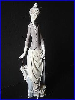 Estate LLADRO Figurine LADY WITH DOG #4761 Spain Matte Excellent Condition
