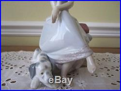 FABULOUS Lladro Figurine CHIT CHAT GIRL ON PHONE WITH DOG #5466 Retired Mint