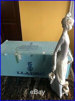 Genuine Lladro Lady with Dog & Umbrella (#761 Retired!) with Original Box