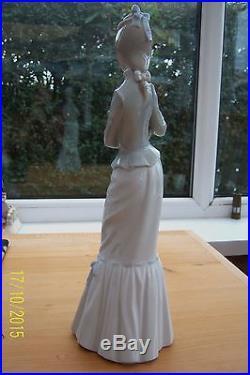 Genuine Lladro My Dog Lady With Parasol Holding A Pekingese Dog 4893 Figurine