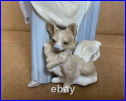 Genuine Lladro Woman With Dog And Pearl Handled Umbrella Figurine (4761)