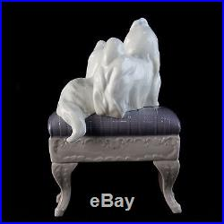 Glass LLADRO Figurine Looking Pretty Maltese Dogs On Ottoman Decoration