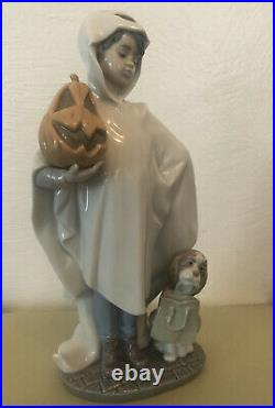 Halloween Lladro 6227 Trick or Treat Boy In Ghost Costume With Dog & Pumpkin