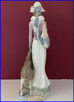 Huge 14.5 Nadal Lladro #853 Lady Woman Figurine With Bonnet & Scarf Walking Dog
