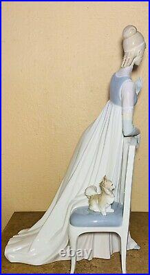 Huge 19 Vintage Lladro Figurine, Lady Empire #1416 Woman by Chair with Dog