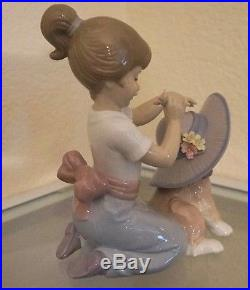 Ladro Figurine Elegant Touch Girl With Dog Figurine By Lladro #6862 Mint
