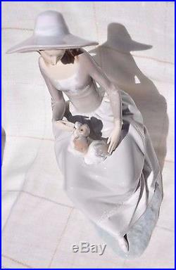 Large Lladro Girl With Dog Sitting, #4806 Retired 1981, Rare! Excellent Cond