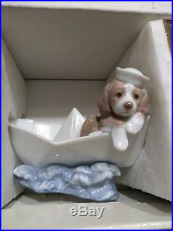 LITTLE STOWAWAY DOG PAPER BOAT FIGURINE BY LLADRO #6642 excellent condition