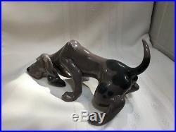 LLADRO 01005110 Dog Sniffing (Bloodhound) MINT