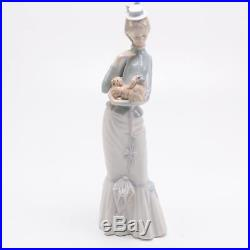 LLADRO #04893 BOXED A Walk with the Dog Collectible Porcelain Figurine