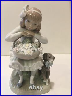 LLADRO 1088 Girl Sitting In Chair With A Flower Basket And Dog Figurine