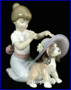 LLADRO 2001 Porcelain AN ELEGANT TOUCH Girl and Dog Figurine 6862