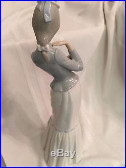 LLADRO 4893 Walk withthe Dog aka My Dog Retired Mint Condition
