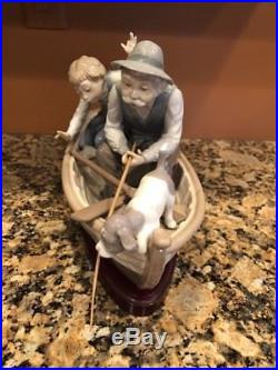 LLADRO 5215 FISHING WITH GRAMPS FIGURINE With WOODEN STAND BOAT DOG