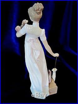 Lladro #6753 Traveling Companion Bnib Lady Dress Dog Luggage Umbrella Free Ship