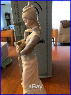 LLADRO A Walk With The Dog #4893 with Original Box Woman with Pekingese Dog