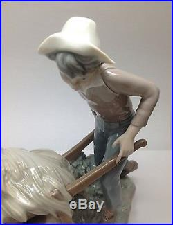 LLADRO Boy With Wheelbarrow And Dog