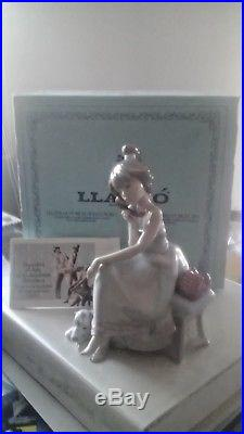 LLADRO CHIT-CHAT #5466 FIGURINE GIRL WithDOG TALKING ON PHONE MINT IN BOX