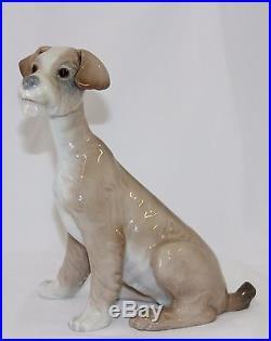 Lladro Dog #4583 Figurine Dog Sitting Perfect