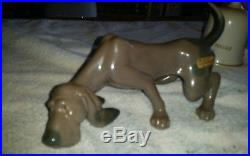 LLADRO DOG SNIFFING # 5110 BLOODHOUND DOG MINT CONDITION Looking for Clue