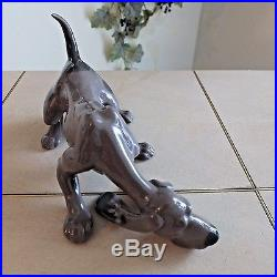 LLADRO DOG SNIFFING # 5110 BLOODHOUND DOG MINT CONDITION withBOX FAST SHIPPING