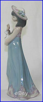 LLADRO ELIZABETH #5645 FIGURINE GIRL WithDOG MINT WithBOX