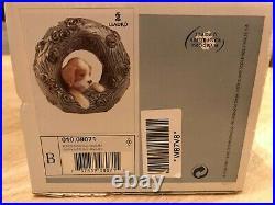 LLADRO FIGURINE 010.08071 PUPPY NATURAL FRAMES MINT & Box 8071 2004 dog wreath