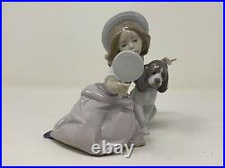 LLADRO Figurine #5468 Who's the Fairest Girl With Mirror And Dog Retired Spain