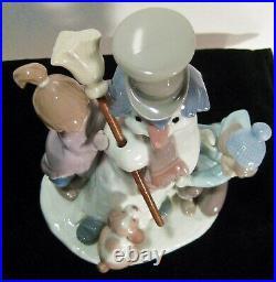 LLADRO Figurine #5713 The Snowman Boy, Girl & Dog with a Snowman