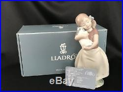 LLADRO Figurine MY SWEET LITTLE PUPPY GIRL WITH DOG #8531/Box & Certificate