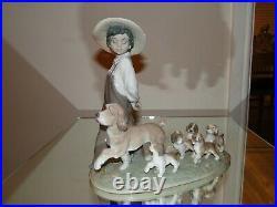 LLADRO Figurine My Little Explorers #6828 Year 2001