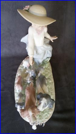 LLADRO Figurine PUPPY PARADE #6784 Porcelain GIRL WALKING DOGS & PUPPIES with BOX