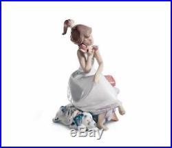 LLADRO Girl On Phone with Dog CHIT CHAT NIB 5466