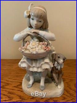 LLADRO Girl Sitting Flower Basket with Dog Porcelain Figurine. Excellent Condition