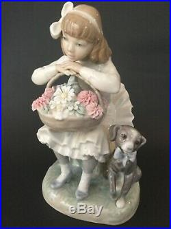LLADRO Girl Sitting in Chair With Flower Basket Dog Porcelain Figurine 8 1/4tall