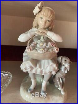 LLADRO Girl with Flowers and Dog #1088G Figurine