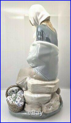 LLADRO JEALOUSY (DEVOTION) #1278 FIGURINE GIRL WithLAMB & DOG PERFECT