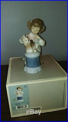 LLADRO My Pretty Puppy Girl on knees with dog W Box #6635