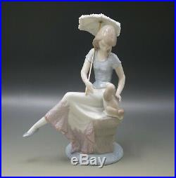 LLADRO PICTURE PERFECT #7612 GIRL WITH UMBRELLA AND DOG WithORIGINAL BOX 9