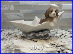 LLADRO PORCELAIN DOG 6642 Little stowaway