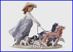 LLADRO PORCELAIN FIGURINE Puppy Parade GIRL WITH DOGS 01006784 NEW IN A BOX